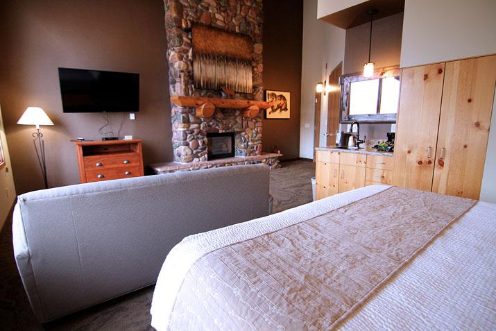 C Mon Inn Hotel Amp Suites